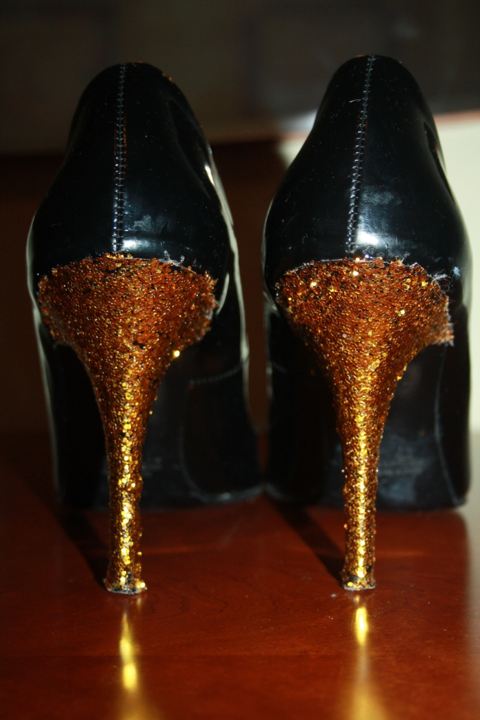 ideas diy how to glitter shoes manualidades personalizar customizar zapatos paso a paso purpurina la reina del low cost