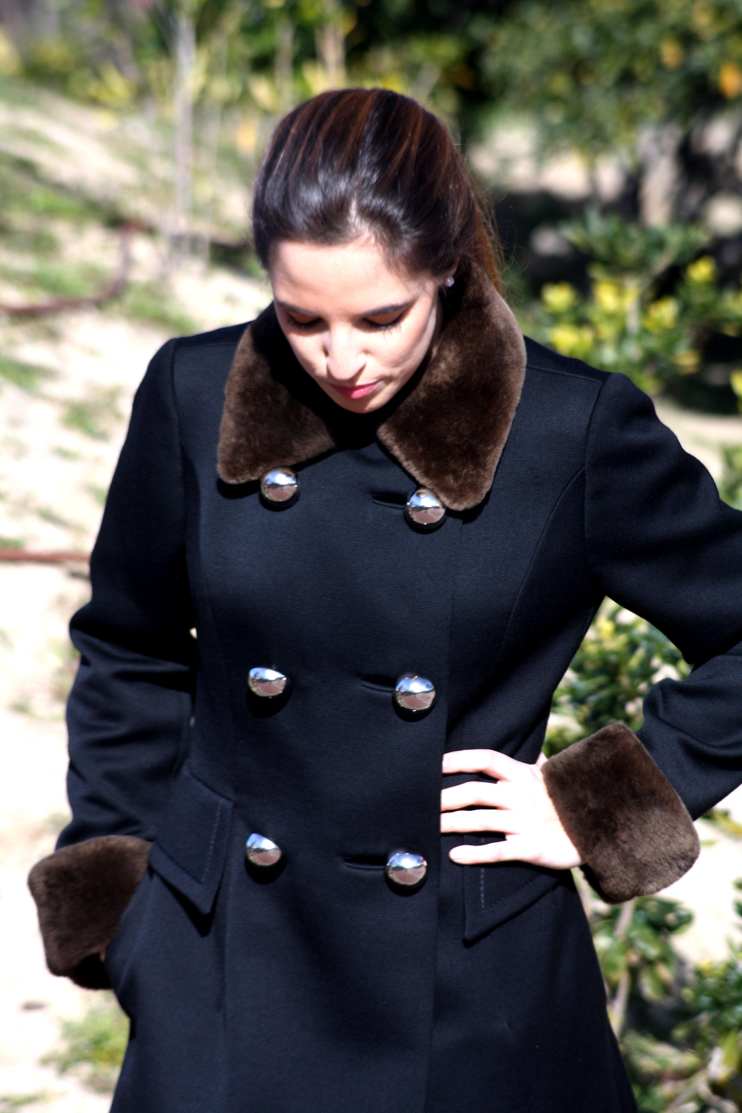 Abrigo con estilazo y a un precio low cost la reina del for Ventanales segunda mano valencia