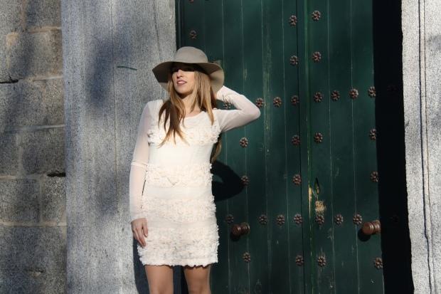 lareinadellowcost la reina del low cost blog pilar pascual vestido flores sombrero de fieltro ropa barata comprar ropa online zapatos primark bines vintage outlet 3