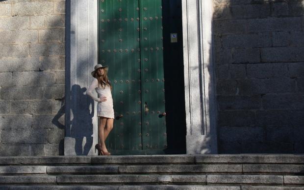lareinadellowcost la reina del low cost blog pilar pascual vestido flores sombrero de fieltro ropa barata comprar ropa online zapatos primark bines vintage outlet