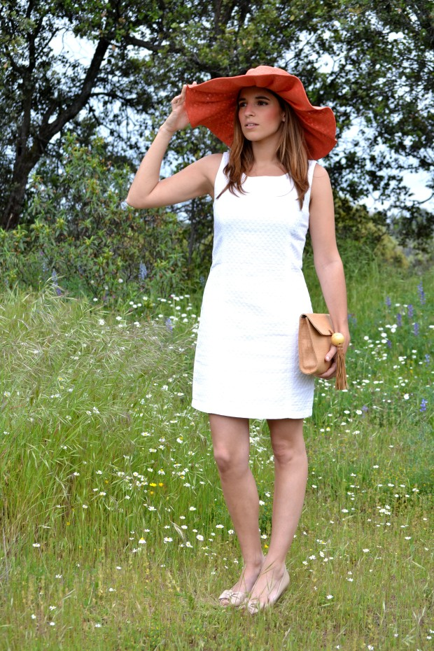 la reina del low cost blog de moda barata fashion blog blogger look comunion 2013 look boda de dia pamela tocado pelo corona de flores DIY pamela coral pamela para la playa 2013 outfit 5