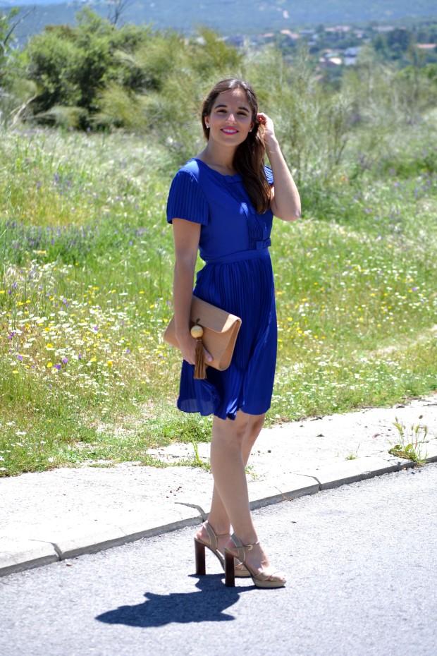 la reina del low cost blog de moda blogger alicante madrid style outfit comunion graduaciones 2013 mar de colors vestido azul klein sandalias parfois bolso mira la marela 5