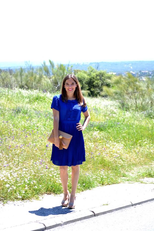 la reina del low cost blog de moda blogger alicante madrid style outfit comunion graduaciones 2013 mar de colors vestido azul klein sandalias parfois bolso mira la marela 6