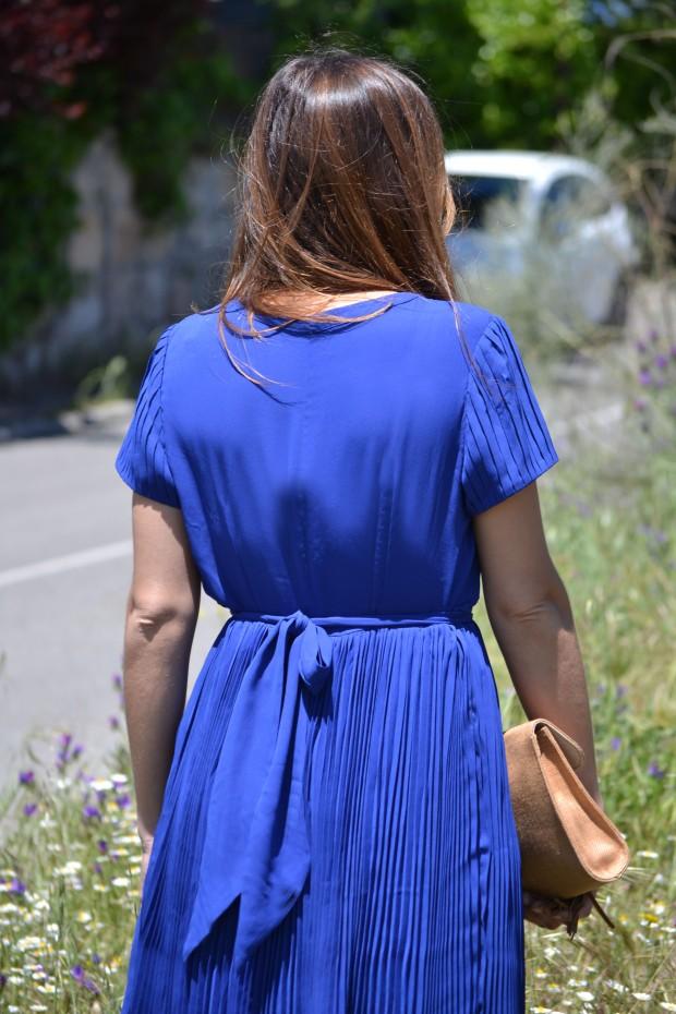 la reina del low cost blog de moda blogger alicante madrid style outfit comunion graduaciones 2013 mar de colors vestido azul klein sandalias parfois bolso mira la marela 7