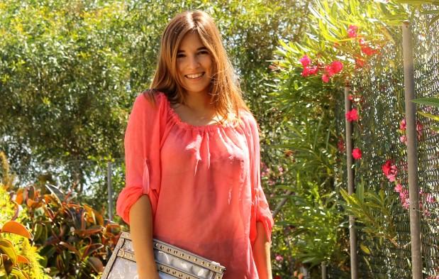 la reina del low cost blog de moda barata ootd outfit look para la playa camisola para la playa botoncitos.com shorts levi's vintage bolso de mano tachuelas espardeñas fluuor H&M 2