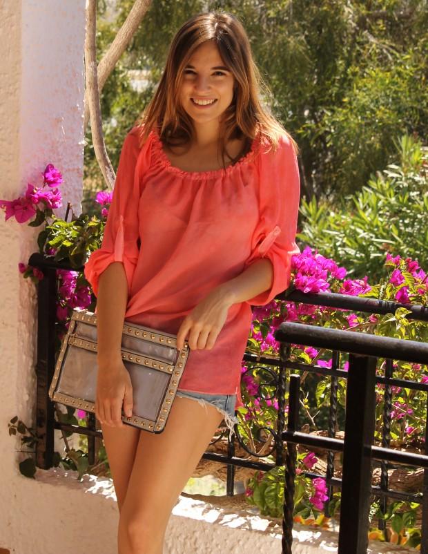 la reina del low cost blog de moda barata ootd outfit look para la playa camisola para la playa botoncitos.com shorts levi's vintage bolso de mano tachuelas espardeñas fluuor H&M