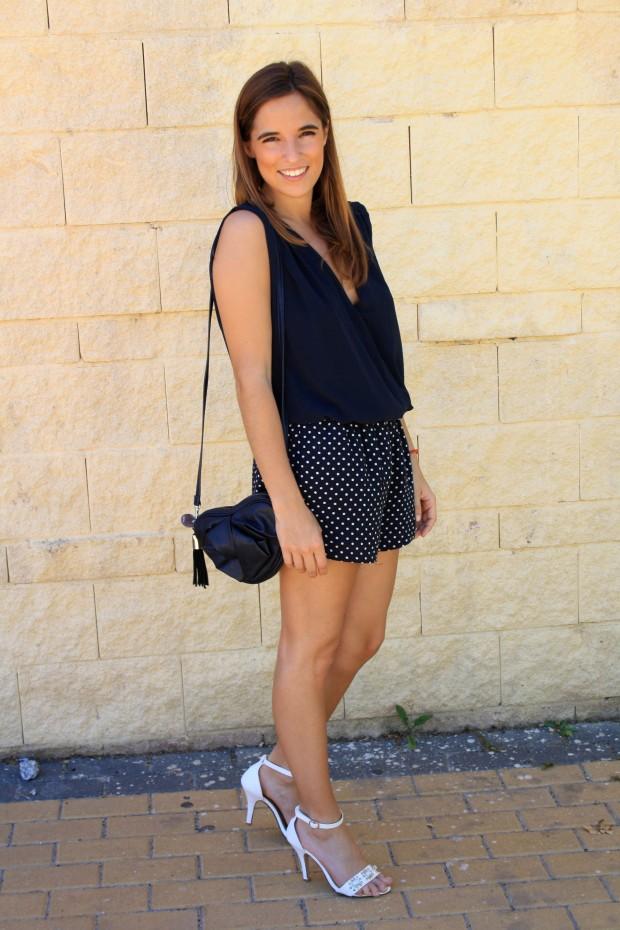 la reina del low cost blog de moda low cost blog de moda barata mono zara verano 2013 sandalias blancas verano 2013 bolso mango forma corazon pulseras cincosegundos 1