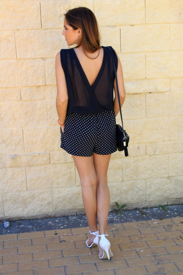 la reina del low cost blog de moda low cost blog de moda barata mono zara verano 2013 sandalias blancas verano 2013 bolso mango forma corazon pulseras cincosegundos 2
