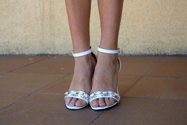 la reina del low cost blog de moda low cost blog de moda barata mono zara verano 2013 sandalias blancas verano 2013 bolso mango forma corazon pulseras cincosegundos 7