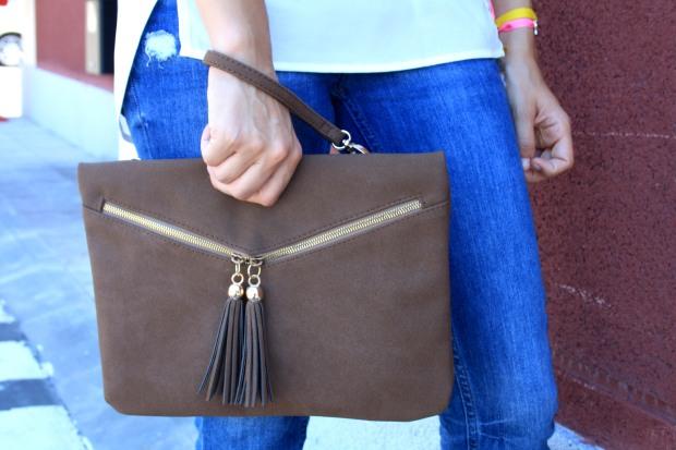 la reina del low cost blog de moda low cost pilar pascual camiseta basica H&M sandalias tacon lourdes moreno collar  garbocomplementos pulsera bladomeras pantalones mango bolso botoncitos.com 1