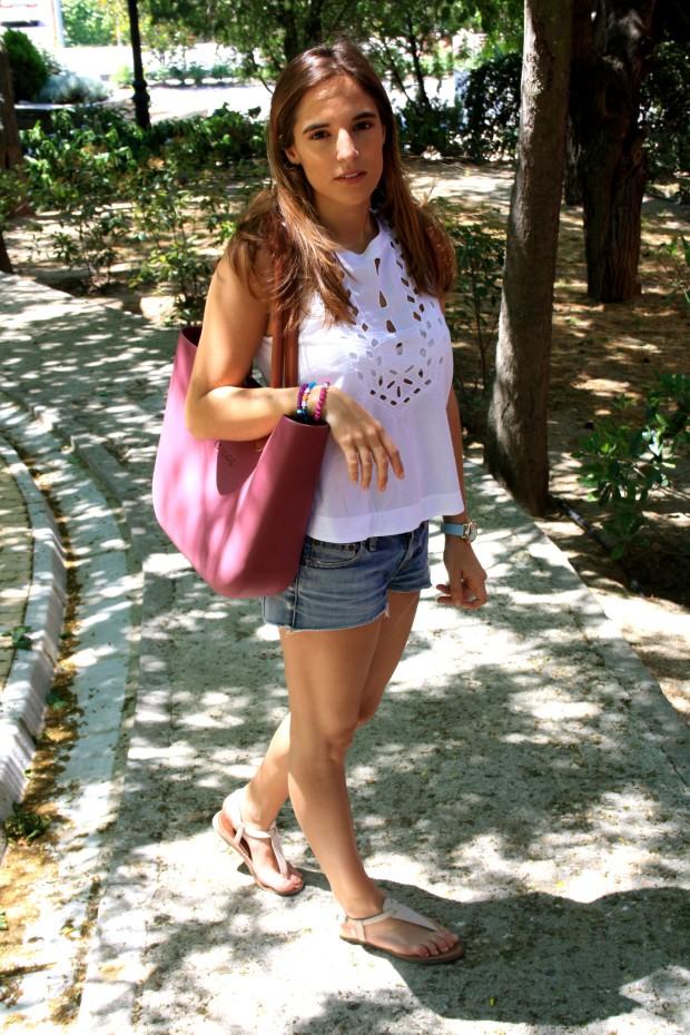 la reina del low cost blog de moda low cost pilar pascual shorts levi's sandalias beige verano 2013 camiseta zara verano 2013  pulseras pomapopi reloj moustache sonn petites bolso o bag 2