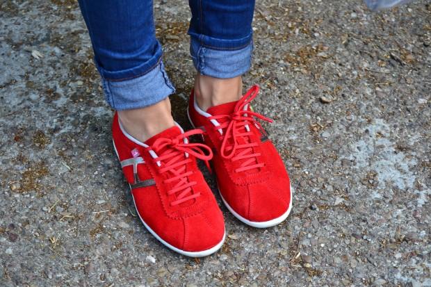 La Reina del Low Cost pilar pascual blogger madrid alicante style ootd hispanitas valor H bolso transparente camiseta H&M online jogging