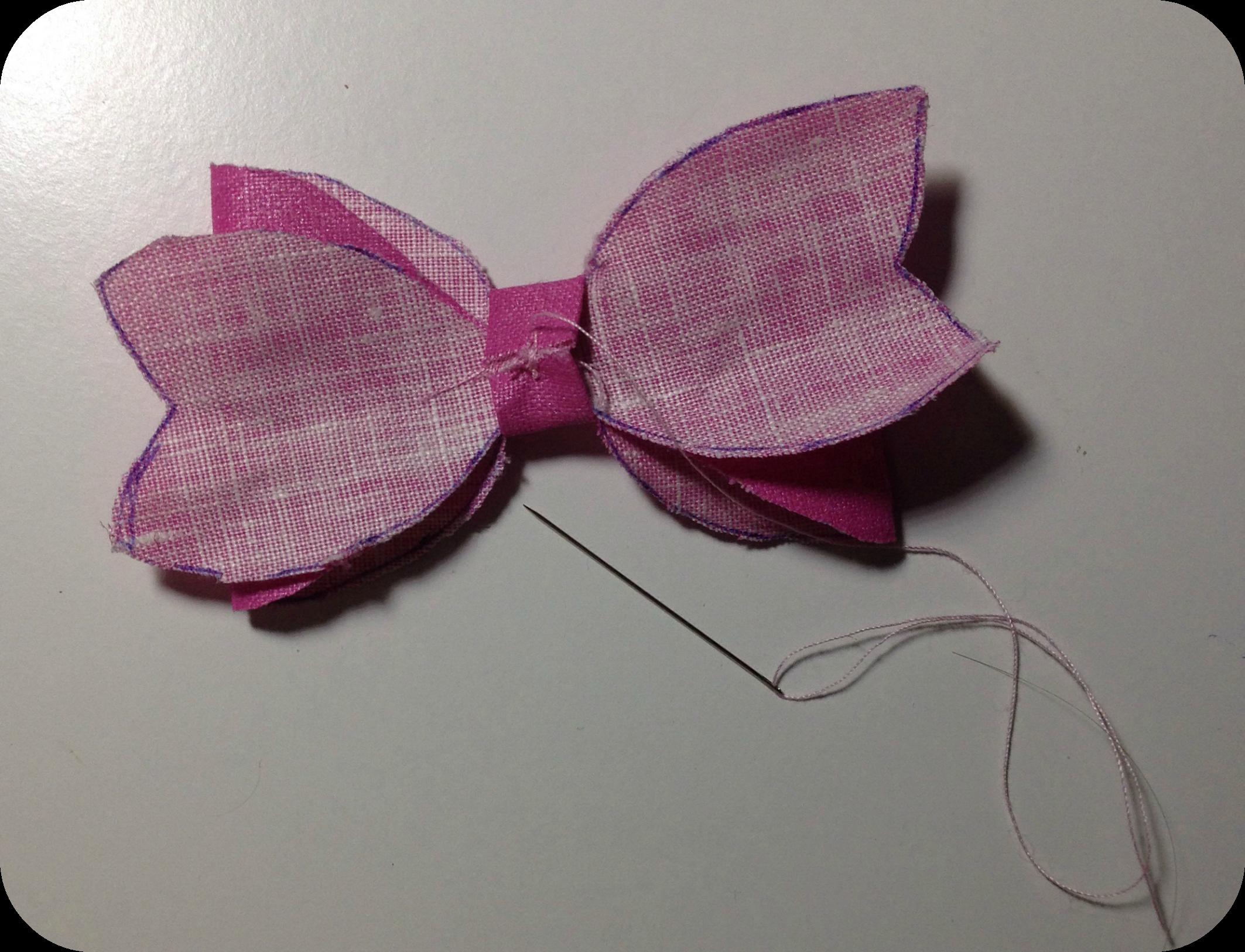 Diy idea c mo hacer un lazo para regalo patr n y paso a paso la reina del low cost - Como hacer un cabecero de tela ...
