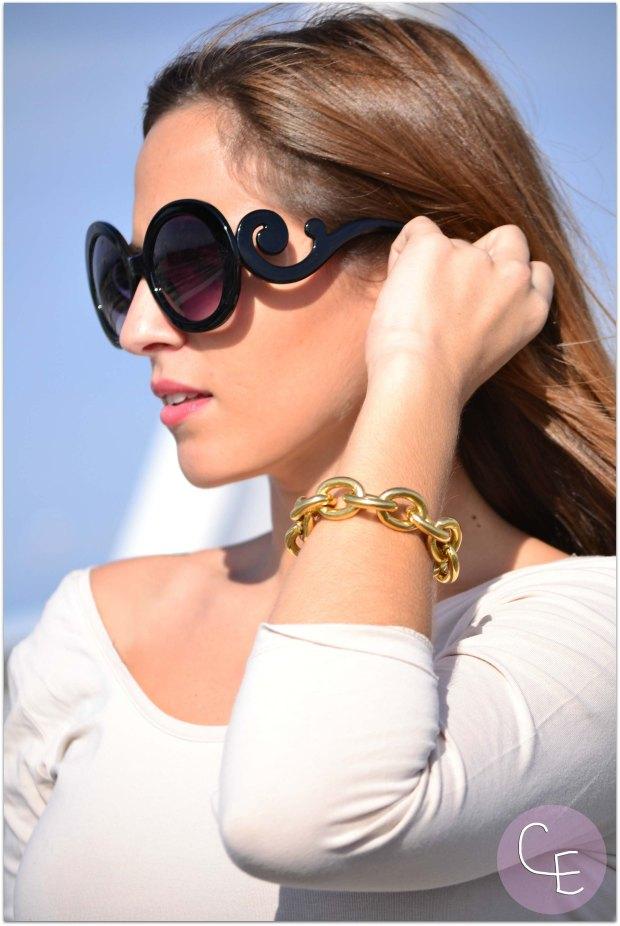 la reina del low cost blog de moda low cost complementos cuchicuchi gafas de sol prada baroque fetiche suances falda tipo cuero plisada combinar barata el mercadillo de lola tacones lefties online mochila parfois