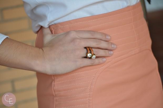 la reina del low cost blog de moda barata pilar pascual del riquelme outfit style ootd look para ir a la oficina falda de cuero falda color salmon ewigem tienda de ropa online botines calzados payma paula 3