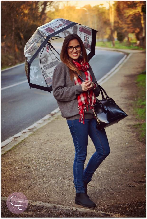 la reina del low cost blog de moda barata street style look para lluvia blogger madrid blogger alicante pilar pascual del riquelme  botoncitos.com tienda de ropa online paraguas transparentes (2)