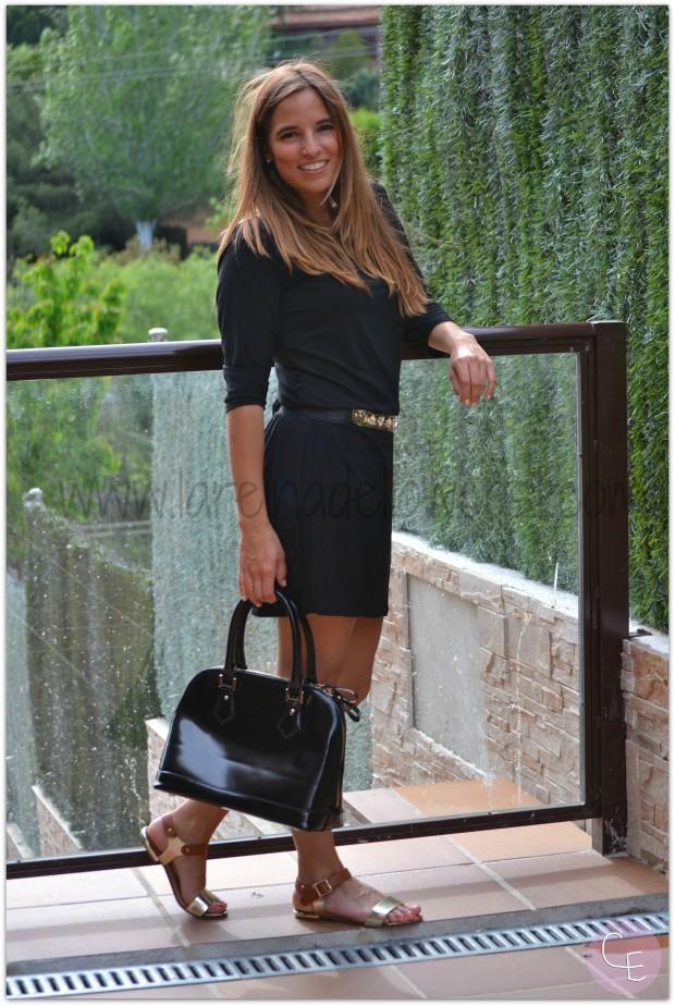 la reina del low cost blog de moda barata pilar pascual del riquelme outfit afterwork cinturon dorado metalico lourdes moreno alicante piedras vestido mulaya sandalias okeysi bolso botoncitos (4)