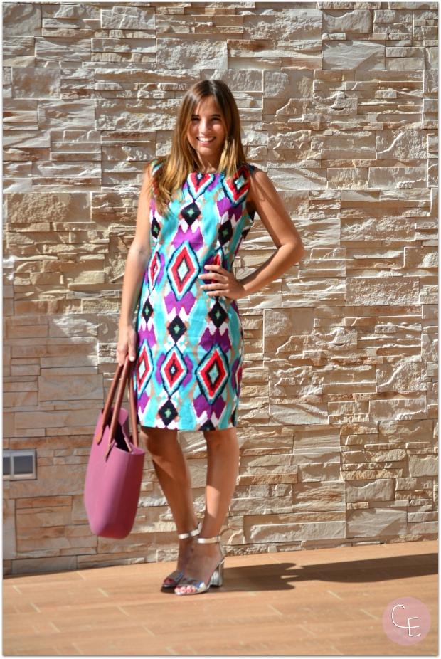 la reina del low cost blog de moda barata style outfit look para ir al a oficina verano 2014 manzanos moda almeria tienda de ropa online vestido estampado etnico vestido colorido comunion bautizo
