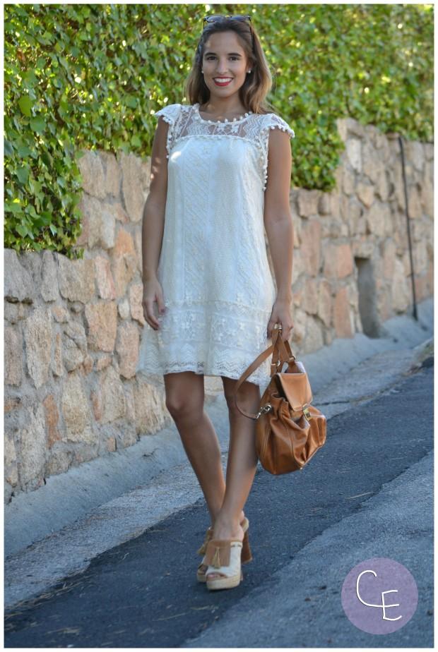 la reina del low cost pilar pascual del riquelme elvestidordelamoda vestido encaje blanco paula echevarria gafas de sol vintage hipsteeps blogger madrid blogger alicante total look oficina verano 2014 (11)