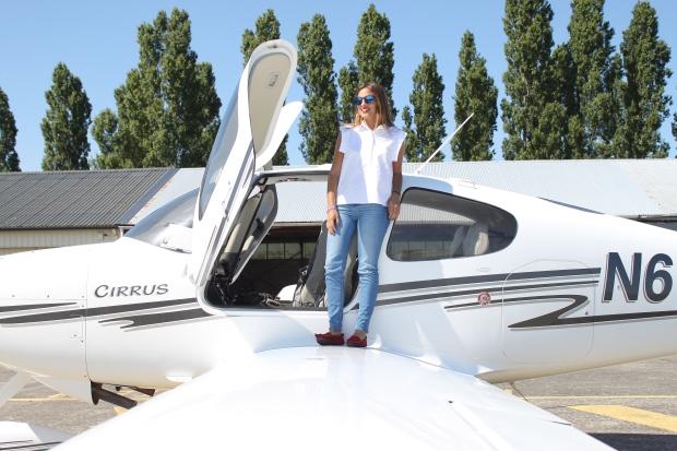 la reina del low cost pilar pascual del riquelme total look para viajar verano 2014 cirrus holanda paris madrid gafas de sol con cristal espejo cerodoscinco  (10)