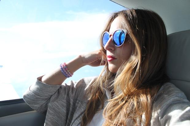 la reina del low cost pilar pascual del riquelme total look para viajar verano 2014 cirrus holanda paris madrid gafas de sol con cristal espejo cerodoscinco  (13)