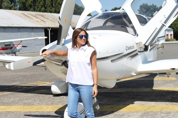 la reina del low cost pilar pascual del riquelme total look para viajar verano 2014 cirrus holanda paris madrid gafas de sol con cristal espejo cerodoscinco  (9)