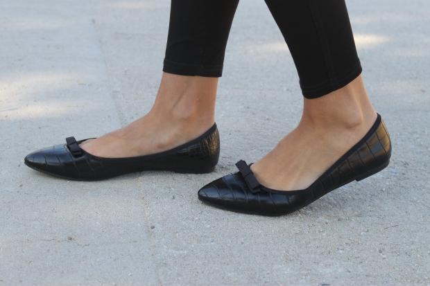 la reina del low cost blog de moda barata pilar pascual del riquelme bolsa reutilizable bolso neopreno oridori diseño marca española total black mulaya zapatos bailarinas negras lazo (5)