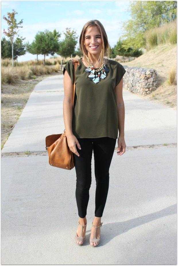 la reina del low cost blog de moda barata style outfit total look ootd look para ir a la oficina camiseta basica verde militar mulaya collares grandes lourdes moreno tienda de ropa online facebook massimo