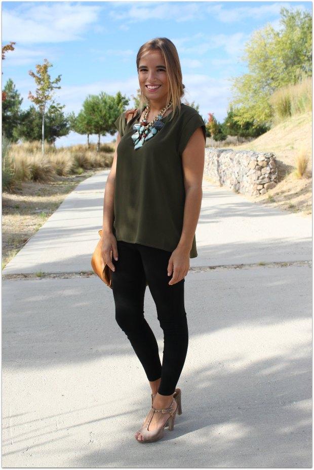 la reina del low cost blog de moda barata style outfit total look ootd look para ir a la oficina camiseta basica verde militar mulaya collares grandes lourdes moreno tienda de ropa online facebook massimo8