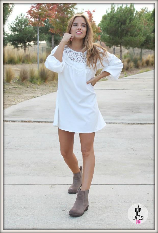 la reina del low cost pilar pascual del riquelme vestido blanco corto chollo moda tienda online ropa barata total look otoño para salir el fin de semana style outfit ootd blogger madrid vestido con botines(6)