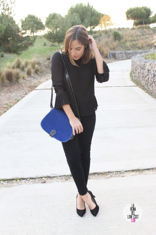 La Reina del Low Cost blog de moda barata pilar pascual del riquelme bolso azul barato chollomoda tienda de ropa barata online complementos abrigo desigual lourdes moreno salones negros mulaya pant (5)