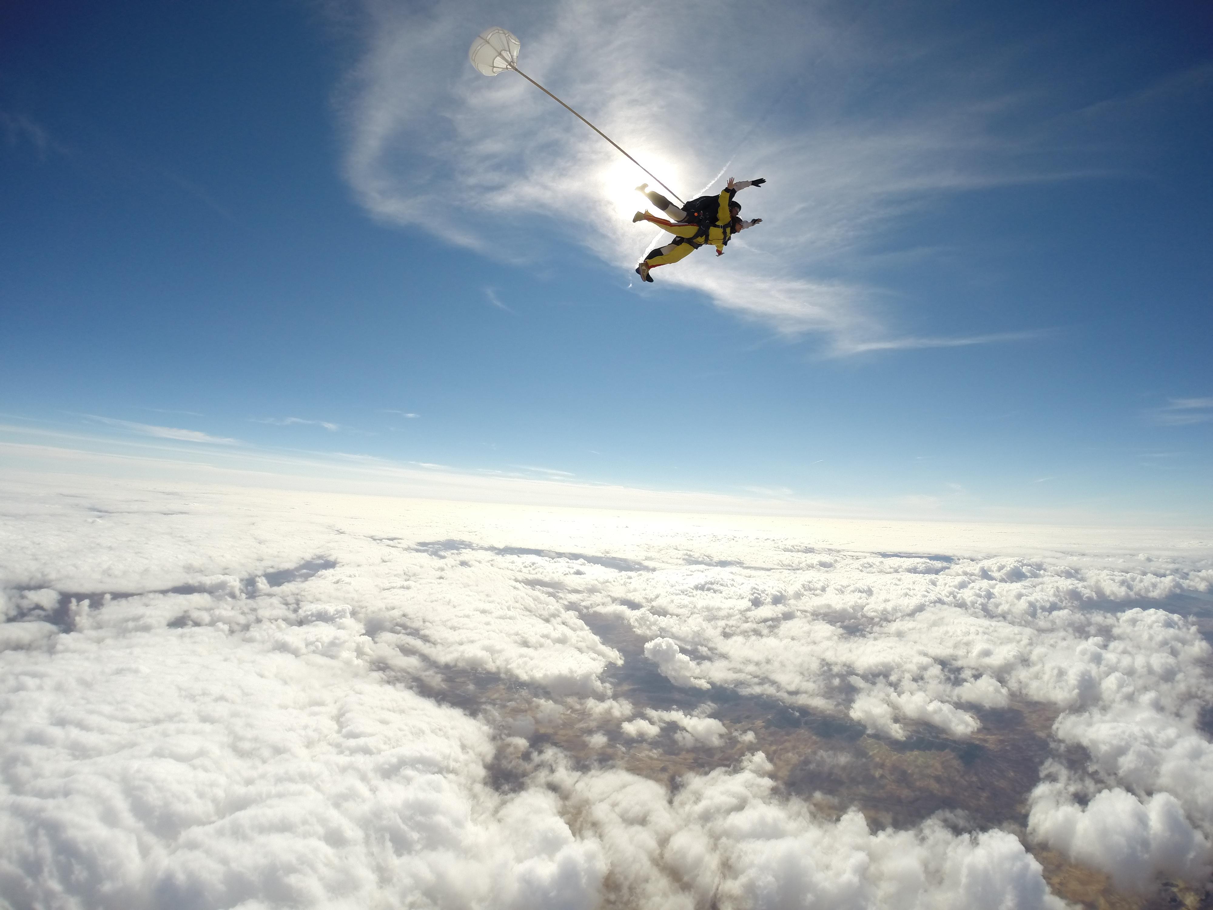 Salto En Paraca 237 Das Liveyourlife By Mustang La Reina