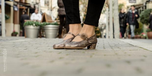 Mi primer tacón Fernando Ortega La Reina del Low Cost tacones para niñas a juego con mamá las rozas village mulaya botoncitos fotografo profesional calzado niña hecho en españa (2)
