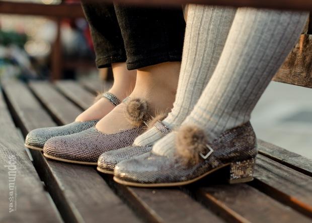 Mi primer tacón Fernando Ortega La Reina del Low Cost tacones para niñas a juego con mamá las rozas village mulaya botoncitos fotografo profesional calzado niña hecho en españa (14)