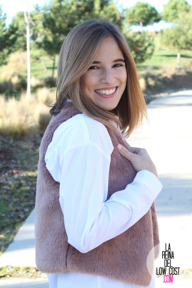 the amity company la reina del low cost pilar pascual del riquelme chaleco rosa pink vest look para ir a la oficina pantalones encerados zara camisa blanca pull and bear blog de moda fas (8)