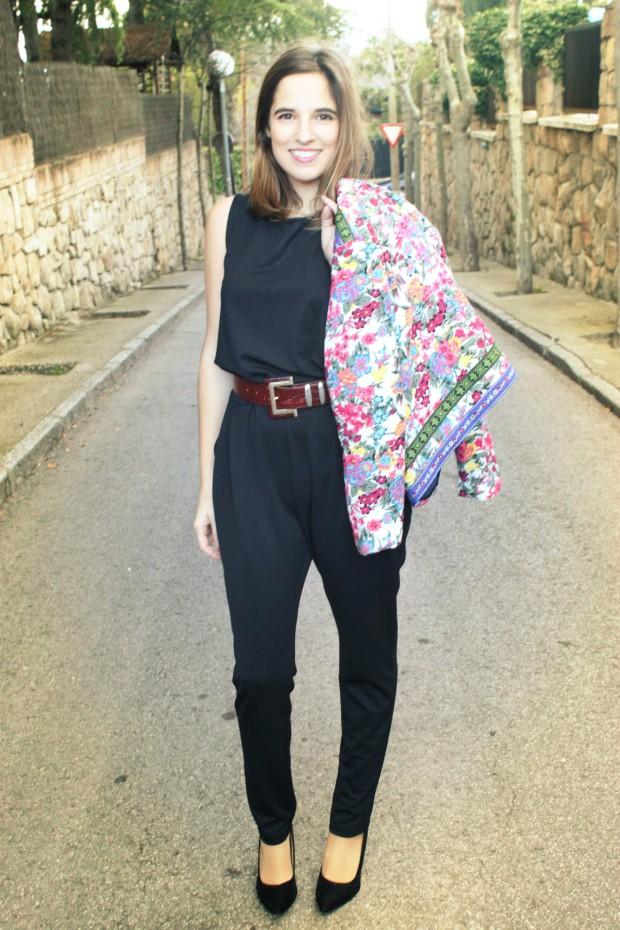 La Reina del Low Cost llevar mono a la oficina botoncitos.com mono barato comprar mono negro chaqueta de flores aliexpress style outfit ootd total look (4)