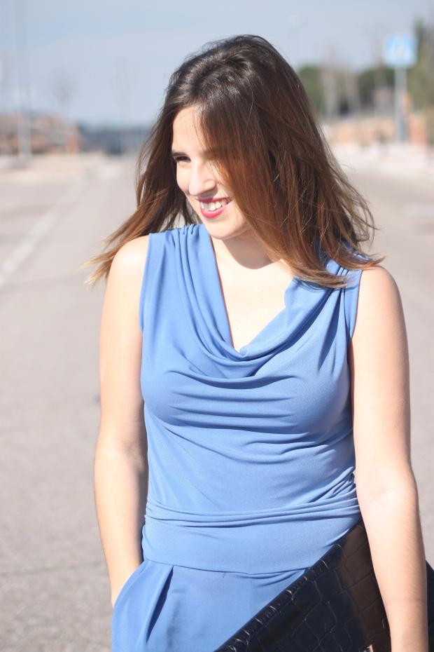 mono azul primavera verano 2015 look para ir a una comunión la reina del low cost total look style outfit botoncitos look para ir a la oficina con mono blogger madrid marypaz roberto verino bolsos (5)