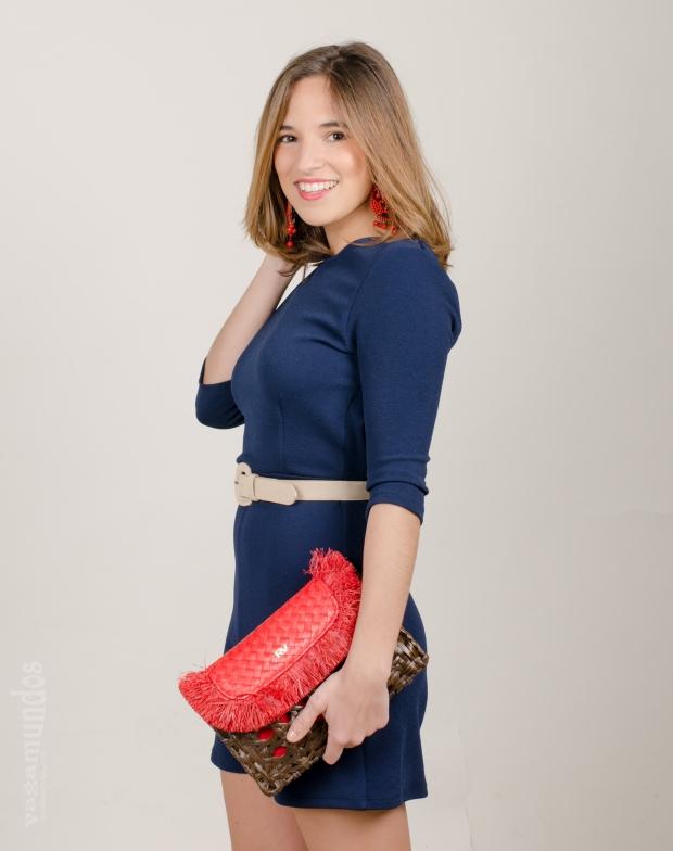 la reina del low cost el baul de alison mono corto espalda al aire style look comuniones 2015 bolso rojo roberto verino pendientes flamenca espalda abierta mono azul marino  (4)