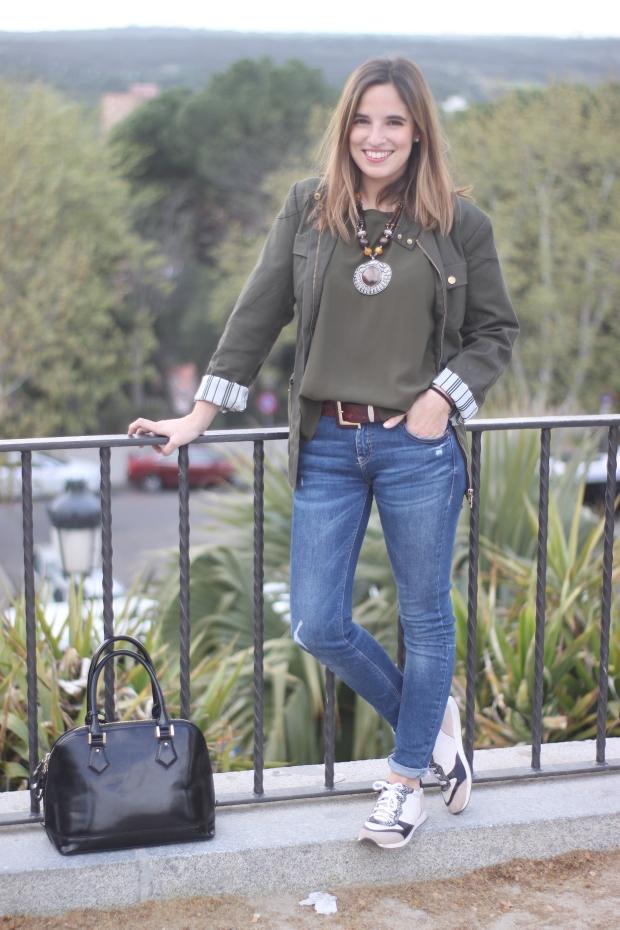 la reina del low cost vaqueros zara trafaluz zapatos drypp deportivas piel de serpiente mulaya blusas combinar verde oliva pilar pascual del riquelme blog de moda barata blogger madrid style outfit dia informal (1)