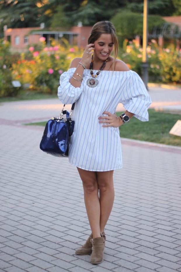 la reina del low cost vestido hombros descubiertos chollomoda tienda online pilar pascual del riquelme look septiembre 2015 botines pull and bear collar etnico blog de moda real (2)