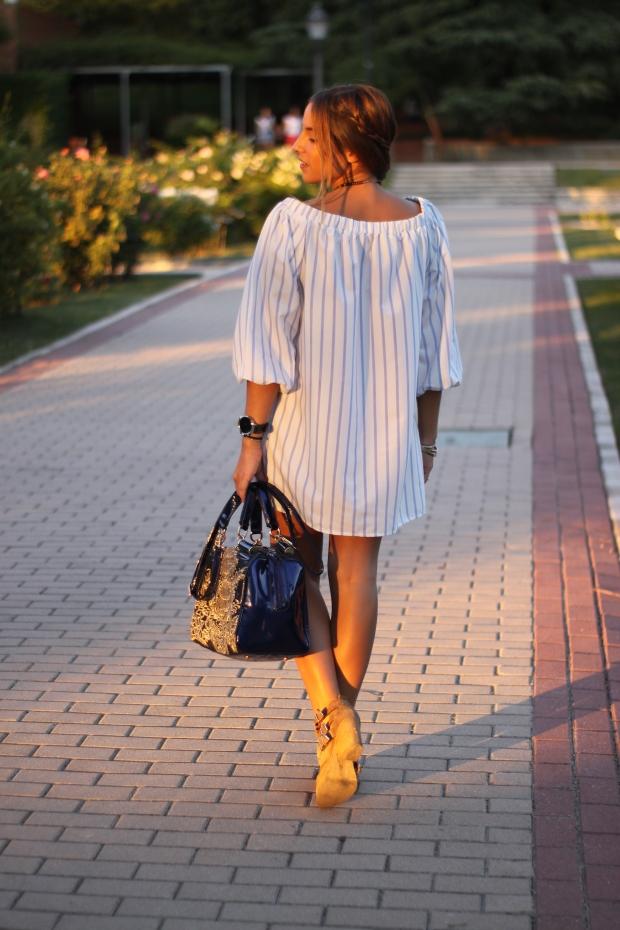 la reina del low cost vestido hombros descubiertos chollomoda tienda online pilar pascual del riquelme look septiembre 2015 botines pull and bear collar etnico blog de moda real (5)