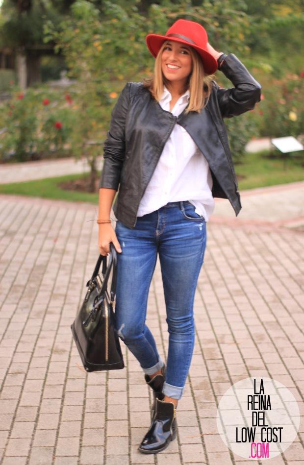 la reina del low cost blog de moda look otoño 2015 informal pingleton hats sombrero rojo impermeable vaqueros zara camisa chaqueta cuero negra desigual botines mulaya (7)