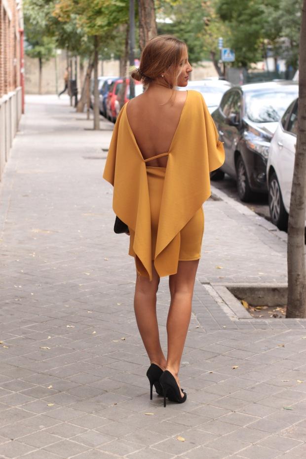 la reina del low cost vestido mostaza espalda al aire otoño 2015 el vestidor de la moda barato total look boda invierno granate tacones primark zapatos bolso roberto verino (2)