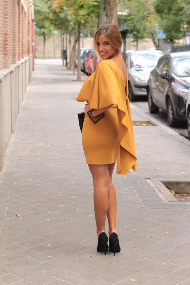 la reina del low cost vestido mostaza espalda al aire otoño 2015 el vestidor de la moda barato total look boda invierno granate tacones primark zapatos bolso roberto verino (3)