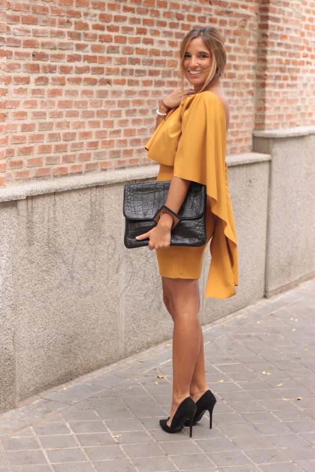 la reina del low cost vestido mostaza espalda al aire otoño 2015 el vestidor de la moda barato total look boda invierno granate tacones primark zapatos bolso roberto verino (5)