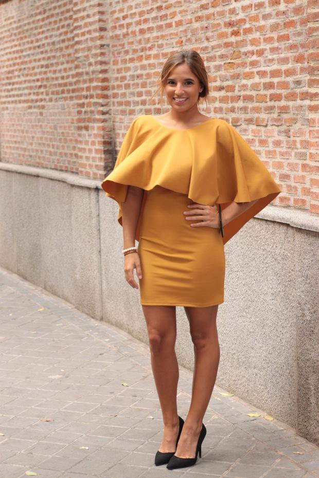 la reina del low cost vestido mostaza espalda al aire otoño 2015 el vestidor de la moda barato total look boda invierno granate tacones primark zapatos bolso roberto verino (7)