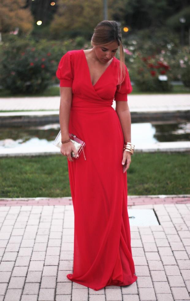 la reina del low cost vestido rojo largo boda invierno primavera 2015 2016 lourdes moreno marta en brazil style outfit look para una boda protocolo boda tarde  (3)