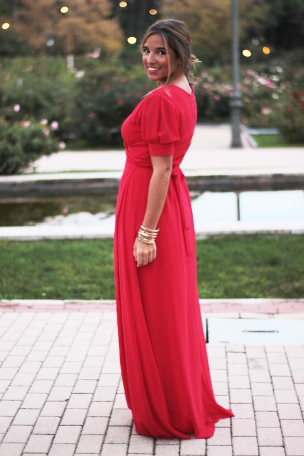 la reina del low cost vestido rojo largo boda invierno primavera 2015 2016 lourdes moreno marta en brazil style outfit look para una boda protocolo boda tarde  (4)