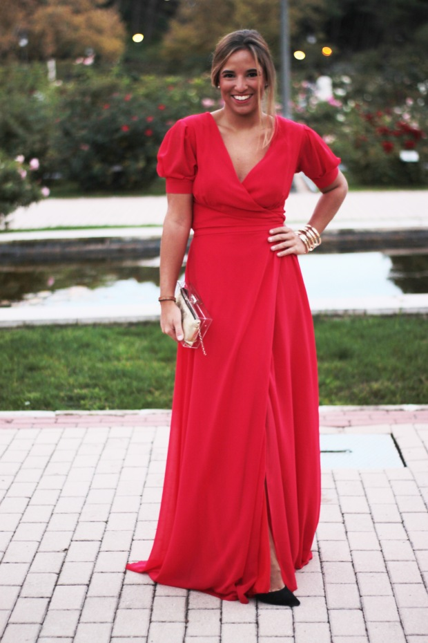 la reina del low cost vestido rojo largo boda invierno primavera 2015 2016 lourdes moreno marta en brazil style outfit look para una boda protocolo boda tarde  (5)