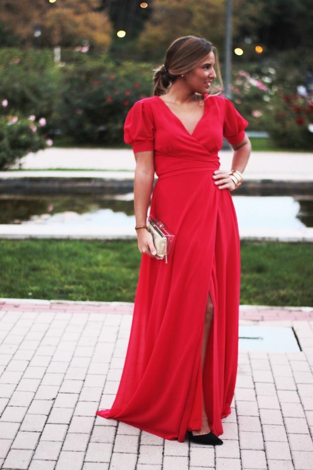 la reina del low cost vestido rojo largo boda invierno primavera 2015 2016 lourdes moreno marta en brazil style outfit look para una boda protocolo boda tarde  (6)